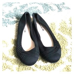Brand new American Eagle black flats